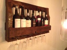 Dit op maat gemaakte wijnrek kan binnenkort ook bij jou aan de muur hangen! Mail voor vragen of bestellingen naar rreuver_1985@hotmail.com