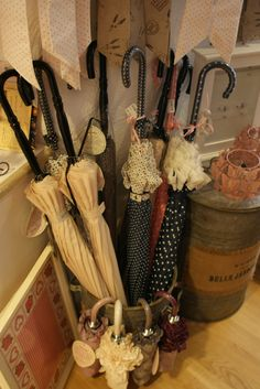 Impressionen aus unserem Lädeli Shabby, Shops, Special Gifts, House Styles, Cottage Chic, Tents, Retail, Retail Stores