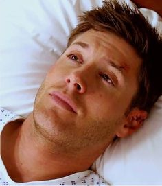 Man who looks good on morphine. Jensen Ackles, Jared And Jensen, Winchester Supernatural, Sam And Dean Winchester, Winchester Brothers, Most Beautiful Man, Gorgeous Men, Cw Series, And So It Begins