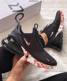 Jul 2019 - AIR MAX 270 Floral Step forward in a fresh silhouette that pays homage to two Nike Air Max classics with a pair of Air Max 270 shoes. Inspired by the iconic designs of the Air Max 180 and the Air Max Hype Shoes, Women's Shoes, Shoe Boots, Shoes Style, Cool Nike Shoes, Jordan Shoes Girls, Girls Shoes, Shoes Women, Ladies Shoes