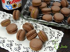 Macarons, Macaron Recipe, Almond, Muffin, Food And Drink, Cookies, Baking, Breakfast, Desserts