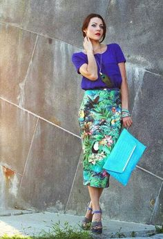 Tropical clothes suitable for islands! Green &  blue flowers