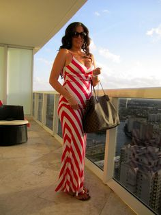 Shimmer Everyday: Miami Nights - Maxi Style | Bebe Hot Pink & White Chevron Maxi Dress - Louis Vuitton Neverfull - Gucci Sunglasses - Tory Burch Sandals