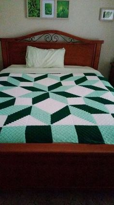 Crochet [Free Pattern] This is an absolutely stunning afghan.  What a beauty.#affiliatelink