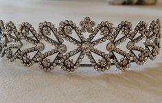 GORGEOUS LINZI JAY BRIDAL BRIDESMAID TIARA HEADBAND GOLD CRYSTAL PROM CHRISTMAS