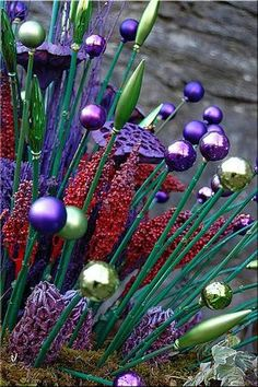 Bekijk de foto van art-twist met als titel hergebruik van je oude kerstballen en andere inspirerende plaatjes op Welke.nl.