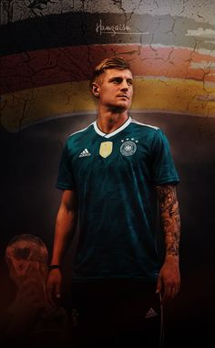 Toni Kroos wallpaper #realmadrid First Football, Football Love, Football Fans, Thomas Muller, Dfb Team, Cristiano Ronaldo Juventus, Real Madrid Football, World Cup Russia 2018, Toni Kroos
