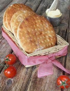Nordic Recipe, A Food, Food And Drink, Norwegian Food, Scandinavian Food, No Bake Desserts, Bread Baking, Yummy Cakes, Fudge