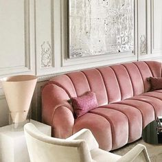 I could get lost in this sofa!x glossy Home Living, My Living Room, Living Spaces, Living Room Inspiration, Interior Inspiration, Deco Salon Design, Deco Rose, Pink Sofa, Interior Decorating