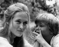 """A atriz viveu o papel de Joana Kramer em """"Kramer vs. Kramer"""" (1979). Ela interpretou uma mãe que luta pela guarda do filho depois de uma separação e ganhou seu primeiro Oscar, o de Melhor Atriz Coadjuvante."""