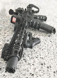 The Definitive Ultimate Rifles WIKI Resource & Guide Airsoft Guns, Weapons Guns, Guns And Ammo, Surplus Militaire, Armas Ninja, Ar Pistol, Battle Rifle, Custom Guns, Custom Ar15