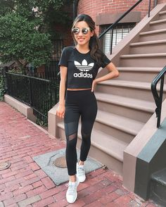 workout outfits // adidas tubular sneakers + mesh panel leggings + retro cropped tee