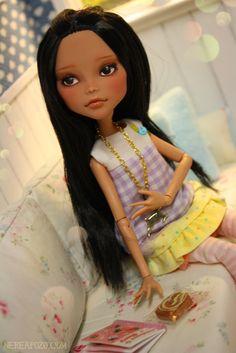 Cleo (Custom Cleo Pijama Monster High doll) by Keera, via Flickr