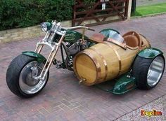 Harley Davidson with Beer Barrel sidecar Harley Davidson, Bobbers, Scooters, Motos Retro, Cruisers, Cool Motorcycles, Vintage Motorcycles, Hot Bikes, Custom Bikes