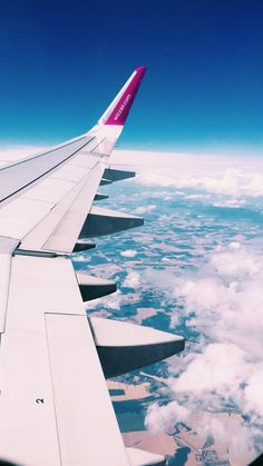 Pin by Emma on Wallpaper in 2019 Sky Aesthetic, Travel Aesthetic, Aesthetic Photo, Airplane Window, Airplane View, Airplane Photography, Travel Photography, Phone Backgrounds, Wallpaper Backgrounds