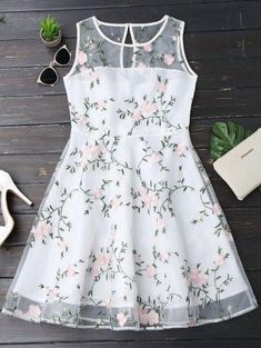 Floral Patched Sleeveless Organza Dress - White S Girls Frock Design, Kids Frocks Design, Baby Frocks Designs, Baby Dress Design, Ladies Day Dresses, Dresses Kids Girl, Kids Outfits, Baby Outfits, Kids Gown