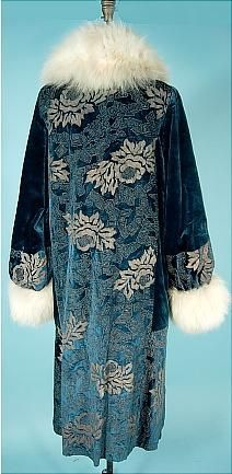 c. 1920's CIERI, Hartford Connecticut  Teal Blue Silk Velvet Flapper Coat with Gold Lame Embroidery and Off-White Fox Fur Trim