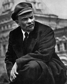Russian Communist leader Vladimir Lenin, May 1919 Soviet Art, Soviet Union, Fosse Commune, Most Popular People, Famous People, Celebridades Fashion, Vladimir Lenin, Russian Revolution, People Of Interest