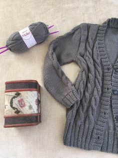 Casaco Grey E 10, Closet, Fashion, Wool Coats, Knitting Sweaters, Grey Trench Coat, Cute, Tejidos, Embroidery