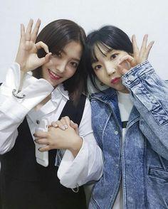Red Velvet 레드벨벳 : YeRi  & ❤ SNSD ❤ Kim TaeYeon ♡ 김태연 ♡ : SM Town IG Update