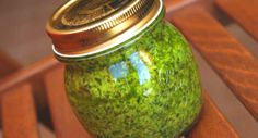 Preserves, Pesto, Pickles, Mason Jars, Vegan Recipes, Food And Drink, Canning, Frosting, Sauces