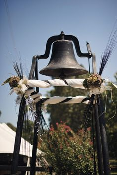A Rustic Backyard Tennessee Wedding - Rustic Wedding Chic