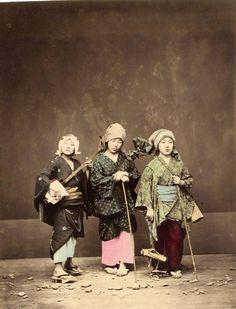 Musician group by Felice Beato, 1865 © : Galerie Verdeau, Paris/The London Photograph Fair