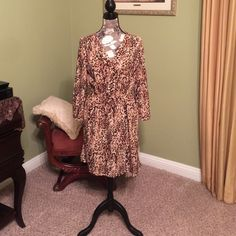 Leopard print dress. Stylish leopard print. Perfect for Spring/Summer weather as well as winter/fall with tights and boots and a felt hat. Merona Dresses Midi