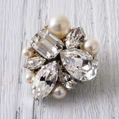 Peal Swarovski Bead Jewellery, Hair Jewelry, Jewelry Art, Beaded Jewelry, Jewelry Accessories, Fashion Jewelry, Embroidery Jewelry, Beaded Embroidery, Bead Crafts