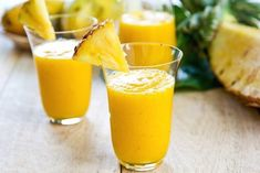 Per Serving of this pineapple mango smoothie contains 150 calories, 3 g total fat, 2 g saturated fat, 45 mg sodium, 29 g carbohydrates and 4 g protein. Best Healthy Smoothie Recipe, Mango Smoothie Recipes, Nutribullet Recipes, Easy Smoothies, Weight Loss Smoothies, Healthy Drinks, Detox Drinks, Smoothie Curcuma, Turmeric Smoothie