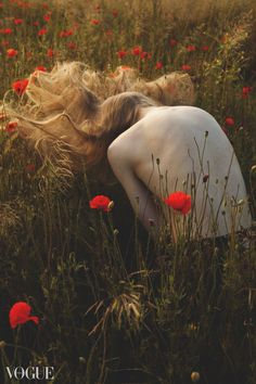 poppy, sensual, nature, photo, girl, back, flowers, meadow, outdoor, photography, photo mori girl, vouge by A.Krzywiak