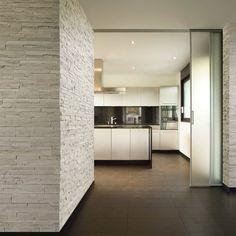 Rivestimenti in pietra (Foto) Decor, Stone Wall, Metal Construction, House Design, House, Interior, Home Decor, Old Stone, Interior Design