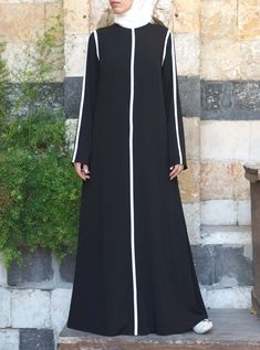 Saubere Linien Abaya Source by The post Saubere Linien Abaya appeared first on Fancy. Abaya Fashion, Muslim Fashion, Fashion Outfits, Abaya Mode, Mode Hijab, Muslim Dress, Hijab Dress, Dress Skirt, Black Abaya
