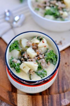 When your family comes together at the dinner table on cold winter nights, nothing satisfies quite like a warm bowl of hearty soup. Paleo Zuppa Toscana soup is ideal for chilly evenings at home.