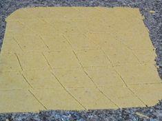 harina de maíz- estirar para hacer nachos caseros Food And Drink, Snacks, Tapas, Food Ideas, Chips, Gluten, Pasta, Appetizers, Healthy Snack Foods
