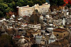 Cementerio de la Recoleta: la bóveda más antigua pertenece a la familia Bustillo y fue edificada en 1823 (foto: Alfredo Sánchez).