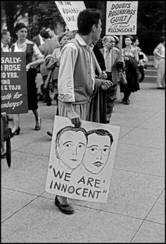Magnum Photos -  Elliott Erwitt //  United States. Washington D.C. 1953. Demonstrators during the trial of Julius ROSENBERG and his wife Ethel, the first US civilians to be executed for espionage.