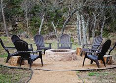 Simple DIY Outdoor Fire Pit.  Totally doing this in our backyard someday really soon!