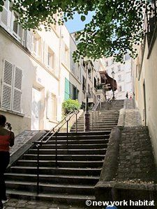 Traveling up the Montmarte steps! It was one of the only parts of Paris that was truly hilly