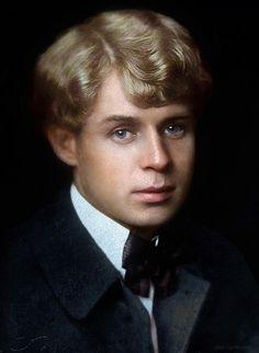 Sergei Yesenin, Russian lyric poet   Сергей Есенин
