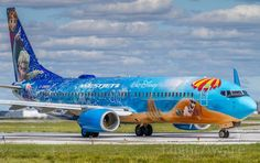 FlightAware Aviation Photos: Boeing (twin-jet)(C-GWSV), (in Frozen livery) waiting to enter runway and takeoff for Vancouver CYYZ Aeroplane Flying, Canadian Airlines, Aircraft Painting, Airplane Art, Commercial Aircraft, Cabin Crew, Paint Schemes, Semi Trucks, Vancouver