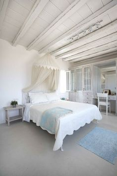 Die luxuriösen Mykonos Panormos Villen in Griechenland Mykonos Villas, House Of Turquoise, Beautiful Villas, Bedroom Bed, Airy Bedroom, Bed Room, Coastal Living, Coastal Style, Luxury Villa