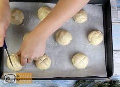 Német zsemle recept, német zsemle elkészítése 6. lépés Bread, Food, Brot, Essen, Baking, Meals, Breads, Buns, Yemek