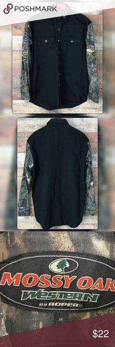 """Mossy Oak M Black & Camouflage Western Shirt Cotton heavy duty Western shirt snap buttons. Pit to pit measures 23.5"""" Length 30.5"""". Very Gently used with no flaws Mossy Oak Shirts Casual Button Down Shirts"""
