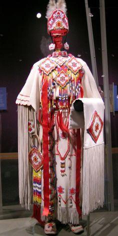 Kiowa Three-Hide Dress Modern Kiowa three hide dress and high top moccasins… Native American Wedding, Native American Clothing, Native American Regalia, Native American Beauty, Native American Artifacts, Native American Beadwork, American Indian Art, Native American History, Native Beadwork