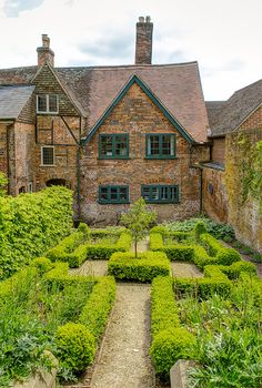 The period style garden behind the 17th century Merchant's House in Marlborough, Wiltshire by Anguskirk on Flickr.