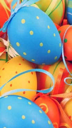 Google Image Result for http://www.wallpaperspictures.net/image/decorating-easter-eggs-wallpaper-for-640x1136-iphone-5-766-46.jpg