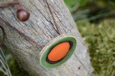 Keramický náhrdelník CIRCULOS (19) Originální keramický náhrdelník z kolekce CIRCULOS. Zapínání na očko a korálek. Délku lze upravit. Každý kus je originál. Celková délka: 52 cm (lze upravit) Placička: 4,5 cm