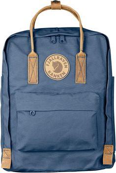Buy outdoor pants, parkas, jackets, backpacks and Kanken gear in the official Fjallraven US store. Mochila Jansport, Mochila Kanken, Kånken Rucksack, Kanken Backpack, Mini Backpack, Leather Backpack, Do It Yourself Ikea, Fjallraven, Minimalist Bag