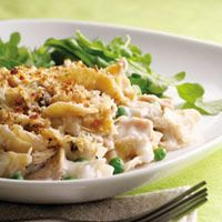Skillet Tuna Noodle Casserole: made without cream of mushroom soup? And healthy? Yes, please!